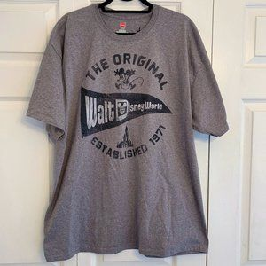 DISNEY Original Walt Disney World pennant t-shirt